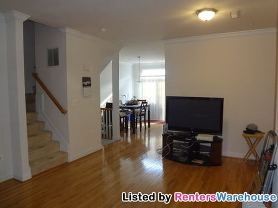 827 1/2 Mchenry St, Baltimore, MD 21230