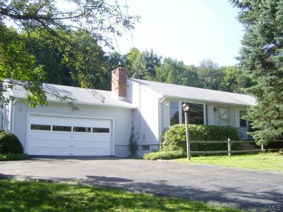 4 Edwards Dr, Brookfield, CT 06804