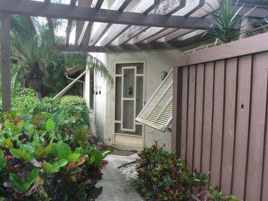 5311 Pine Dr, Boynton Beach, FL 33437