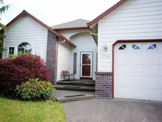 37786 Green Mountain St, Sandy, OR 97055