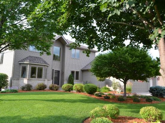 495 Old Farm Rd, Shoreview, MN 55126