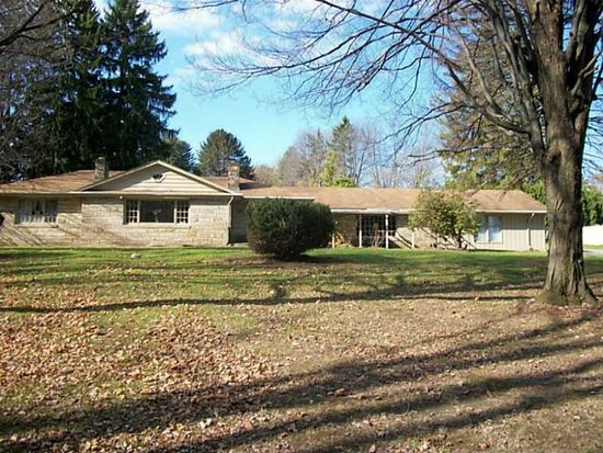 86 Maple Dr, Hermitage, PA 16148