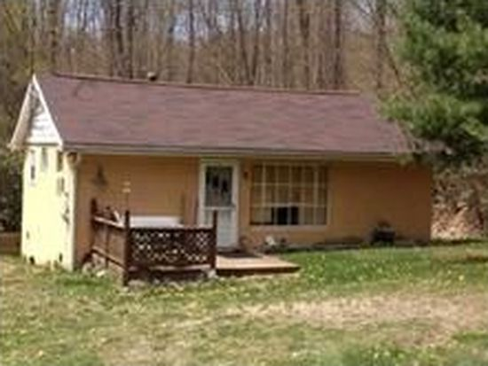 520 Kuhntown Rd, Somerset, PA 15501
