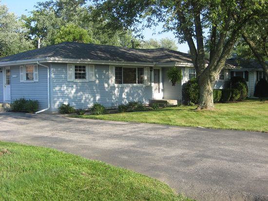 1203 Vista Dr, Wilmington, IL 60481