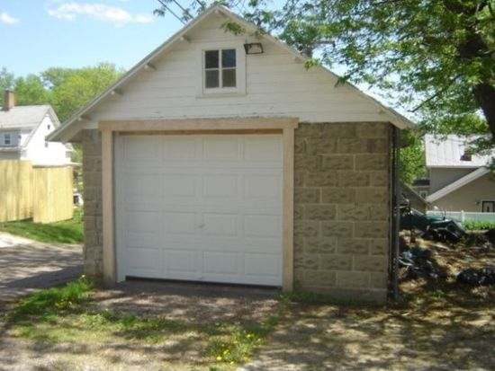 318 1st Ave, Baraboo, WI 53913