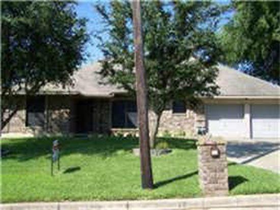607 NW Jayellen Ave, Burleson, TX 76028