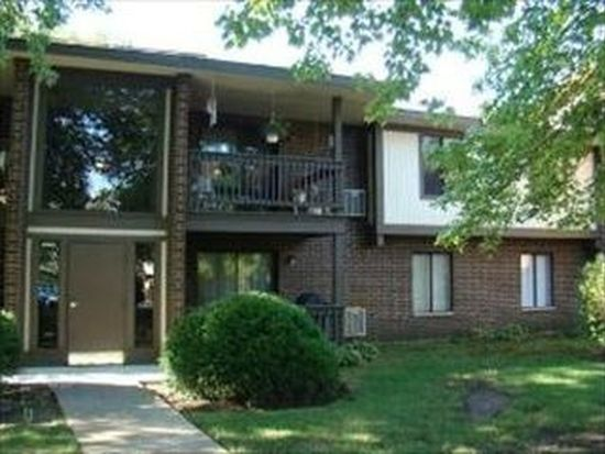 565 Somerset Ln APT 6, Crystal Lake, IL 60014