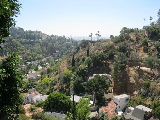 2840 Lambert Dr, Los Angeles, CA 90068