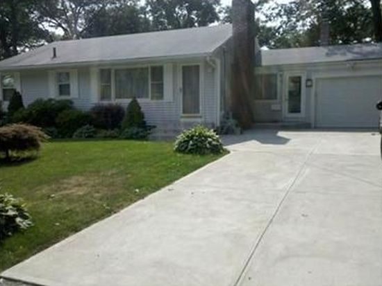 37 Mount View Dr, Cranston, RI 02920