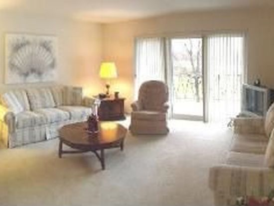 2800 Maple Ave APT 30B, Downers Grove, IL 60515