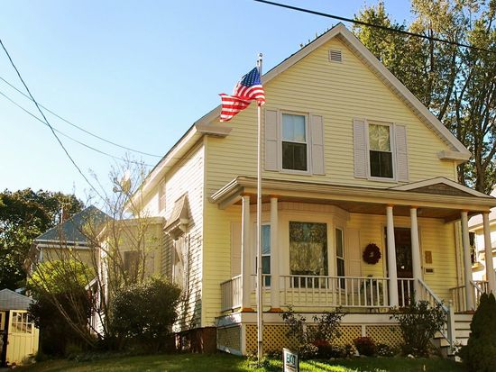 136 Grandview Ave, Worcester, MA 01603