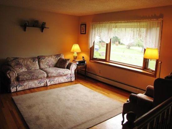 3 Spruce Ct, Voorheesville, NY 12186