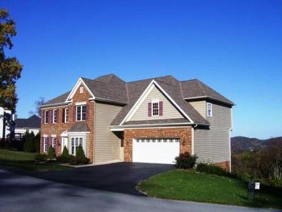 100 Callaway Cir, Bluefield, VA 24605
