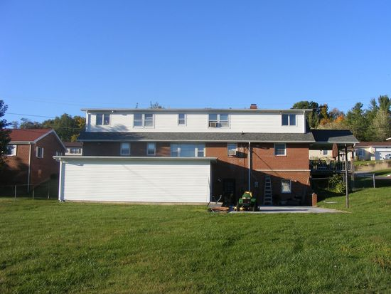 305 East Dr, Princeton, WV 24740
