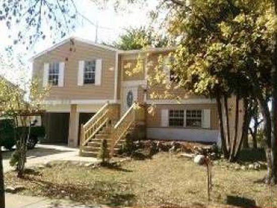 209 Yellow Pine Dr, Bolingbrook, IL 60440