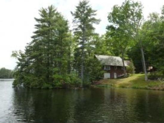 77 Lakeview Dr, Nottingham, NH 03290