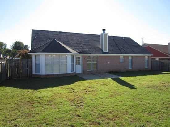 9071 Bentley Woods Dr, Southaven, MS 38671