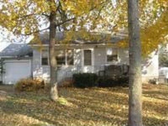 301 Millard Ave, Crystal Lake, IL 60014