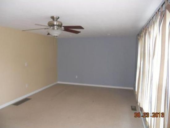 10 Fuller Ave UNIT 3, Attleboro, MA 02703