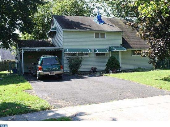 14 Inlet Rd, Levittown, PA 19057