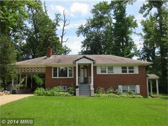 809 Forest Dr S, Oxon Hill, MD 20745