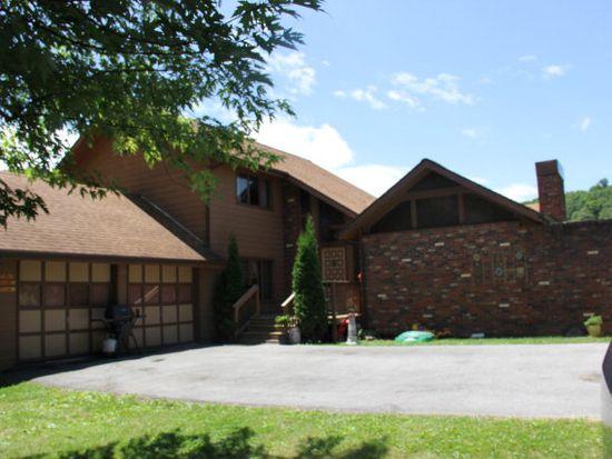 637 Sandlick Rd, Bluefield, WV 24701