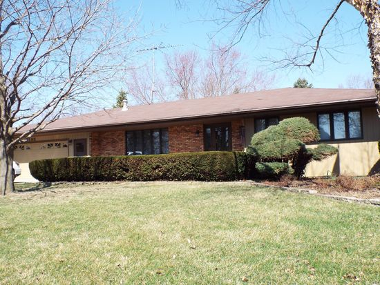 1195 Lady Bird Dr, Somonauk, IL 60552