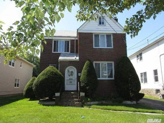 219 Pearl St, Lawrence, NY 11559