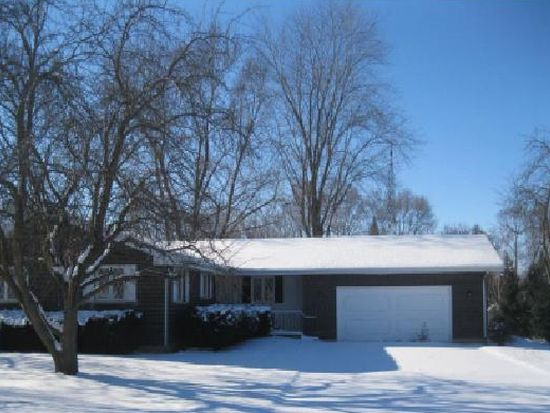 3703 Weingart Rd, Johnsburg, IL 60051