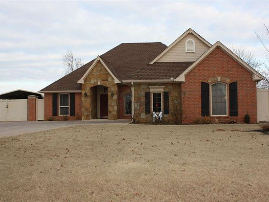 914 S 7th St, Marlow, OK 73055