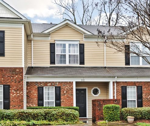 213 Ross Moore Ave, Charlotte, NC 28205
