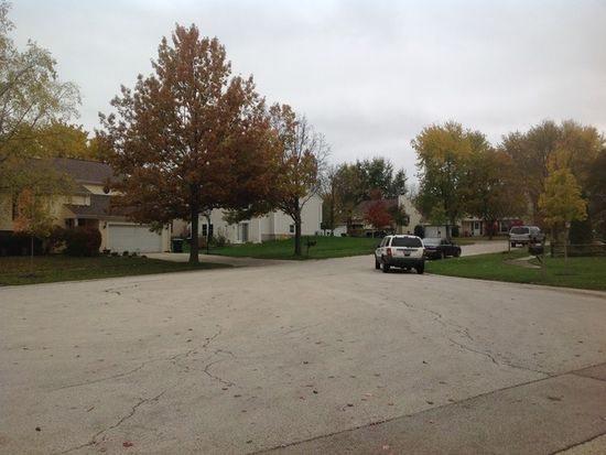 1564 Independence Ct, Saint Charles, IL 60174
