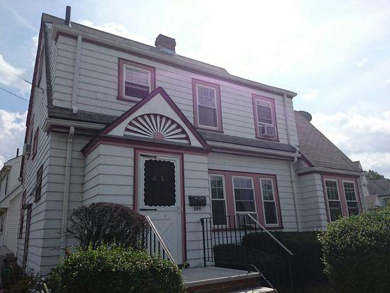 598 Weld St, Boston, MA 02132