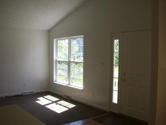 14 Pinewood Ln, Transfer, PA 16154