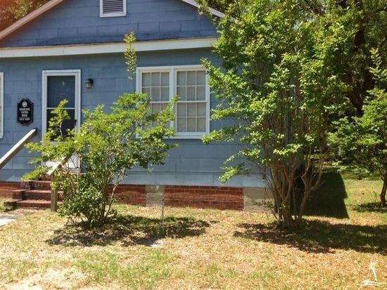 319 N Lord St, Southport, NC 28461