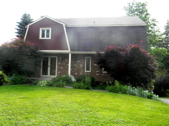 1276 Gill Hall Rd, Clairton, PA 15025