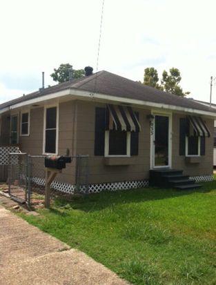 2033 8th St, Port Neches, TX 77651