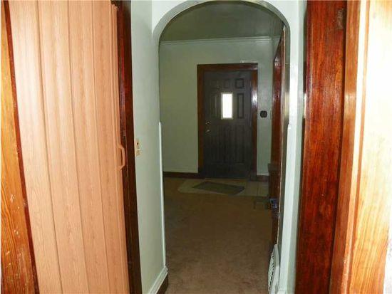921 Morton St, New Castle, PA 16101
