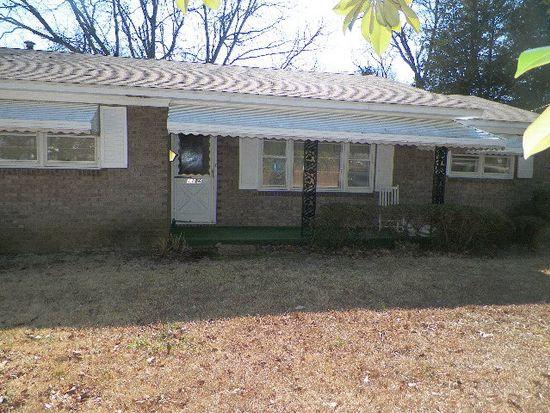 1116 Cambridge Ave E, Greenwood, SC 29646