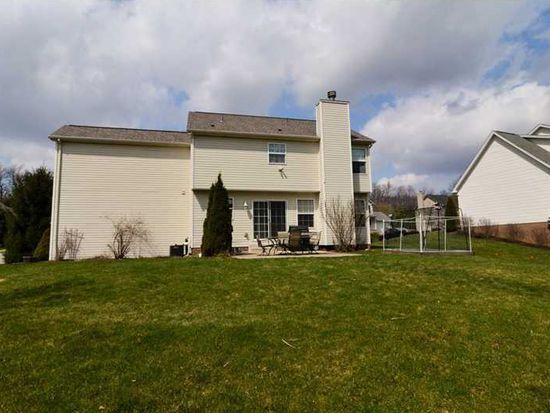 700 Little Creek Ln, Cranberry Township, PA 16066