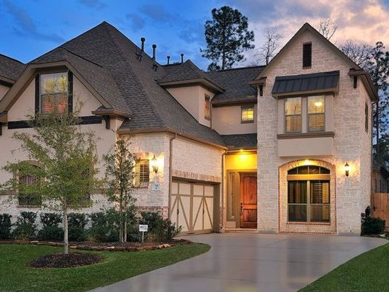 98 S Knights Crossing Dr, The Woodlands, TX 77382
