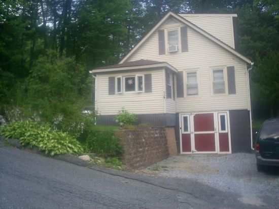 34 Whittlesley Ave, North Adams, MA 01247