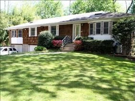 11 Radio Ave, Miller Place, NY 11764