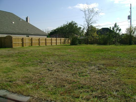 7915 N Windemere St, Beaumont, TX 77713