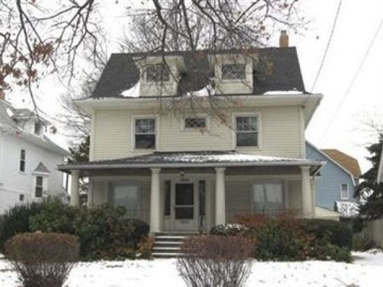 11729 Clifton Blvd, Lakewood, OH 44107