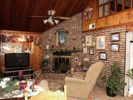 212 Ridgeview Dr, Carriere, MS 39426