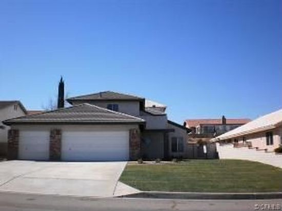 13520 Chinquapin Dr, Victorville, CA 92395