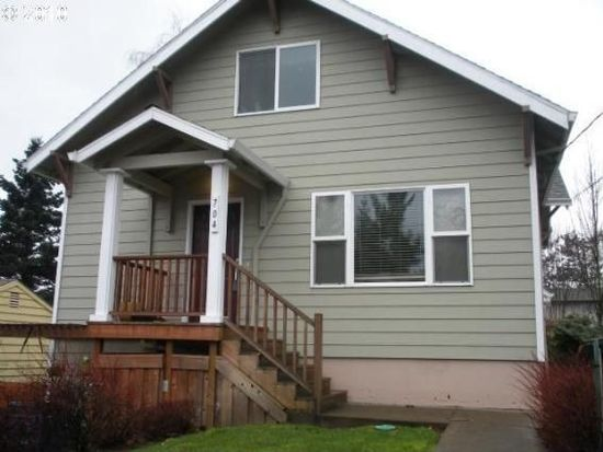 704 Barton Ave # 2, Gladstone, OR 97027