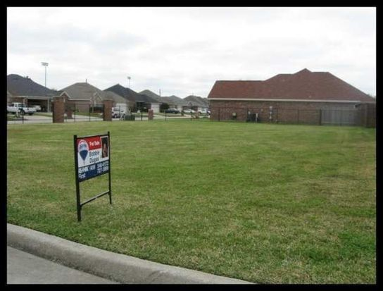 6801 Fairway Ct, Port Arthur, TX 77642