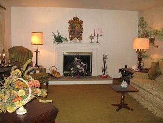 721 S Mercer Ave, Hermitage, PA 16148